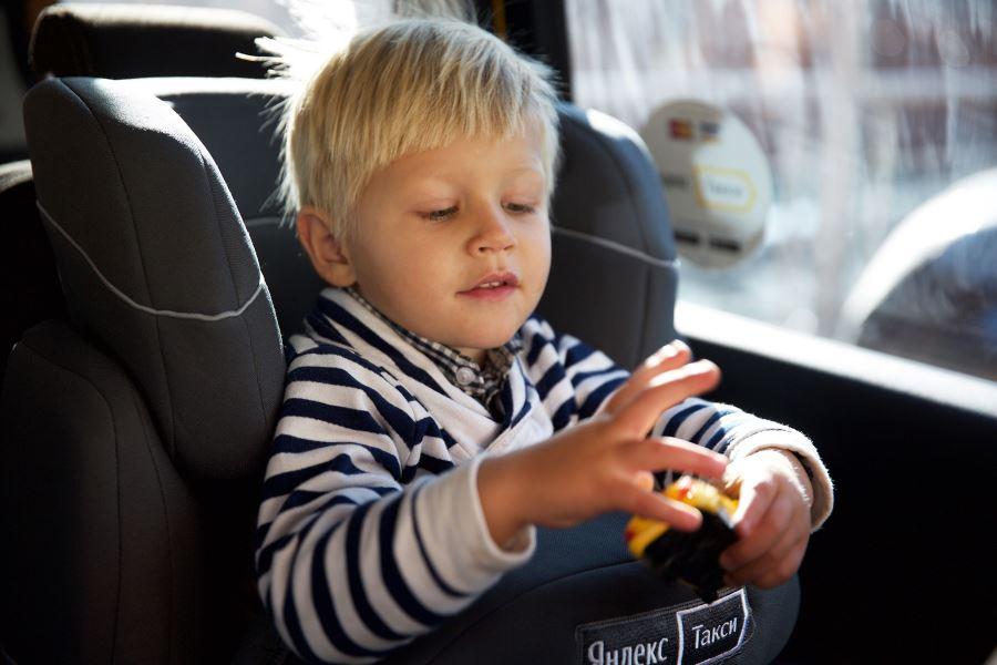 Как заказать Яндекс Такси с детским креслом: классификация и тарифы